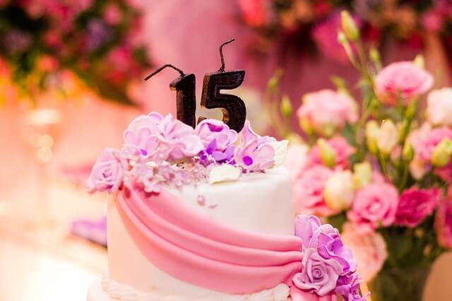 誕生日ケーキの写真